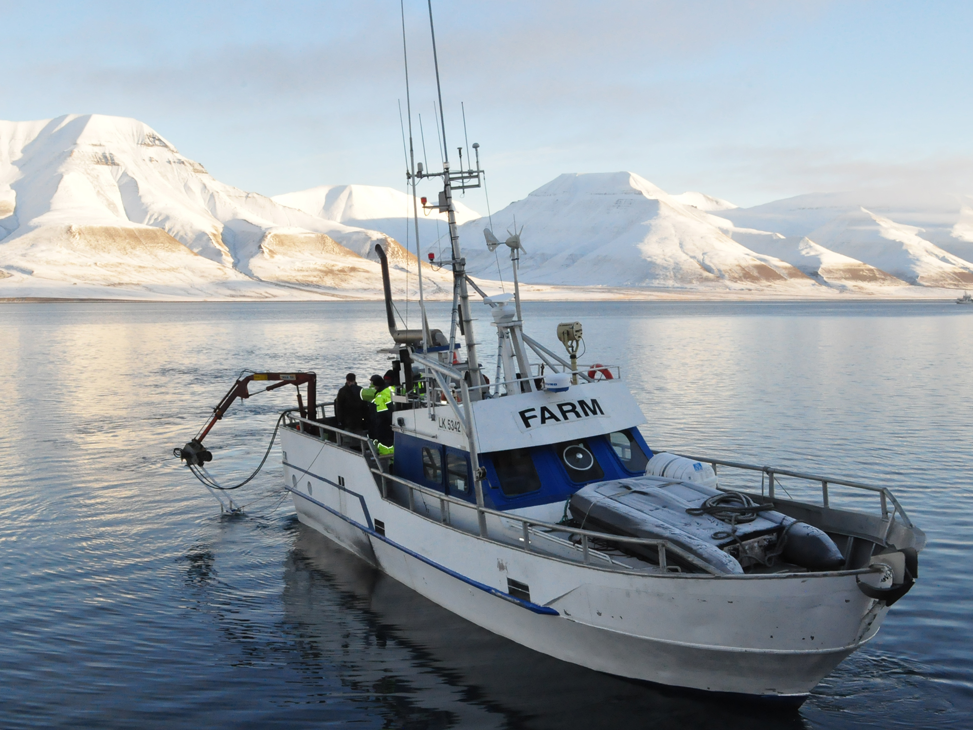 MS Farm doing scientific measurements in Isfjorden, Svalbard.