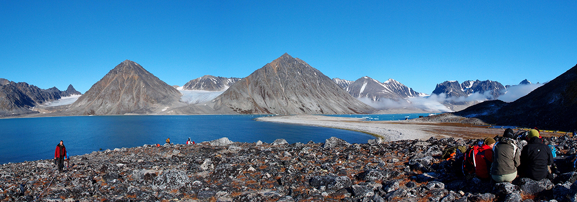 AB-201 on the south side of Magdalenefjorden, between Gravneset and Gullybukta. August 2011. Photo: Steve Coulson/UNIS