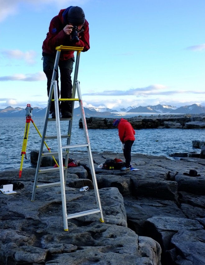 Documenting dinosaur tracks in Svalbard