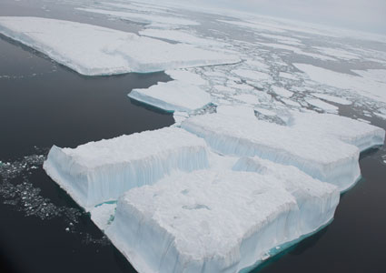 Sea ice in Fram Strait photographed from Oden. Photo: Øyvind Hagen/Statoil