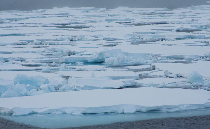 Joint Norwegian-Russian research project on icy waters