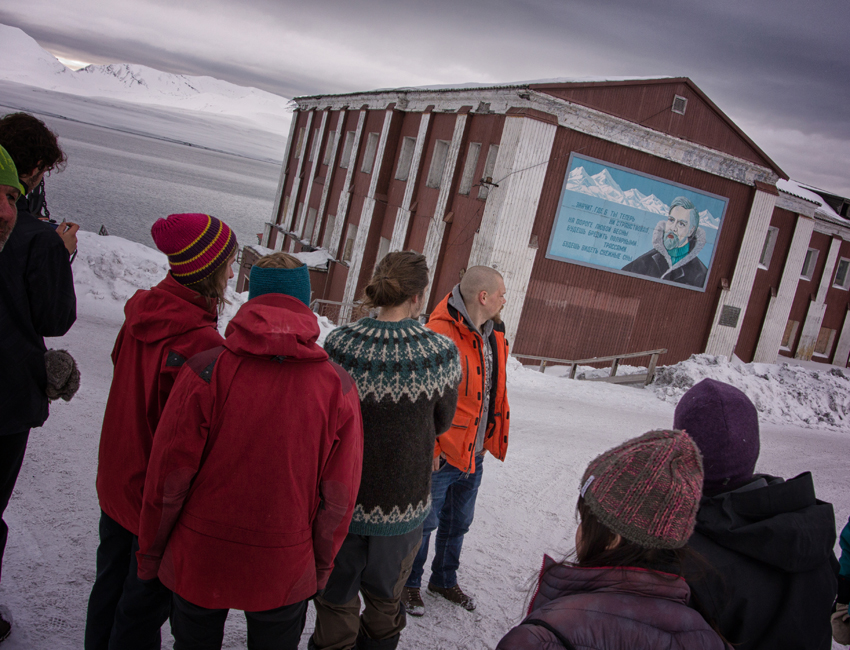 Guided tour in Barentsburg
