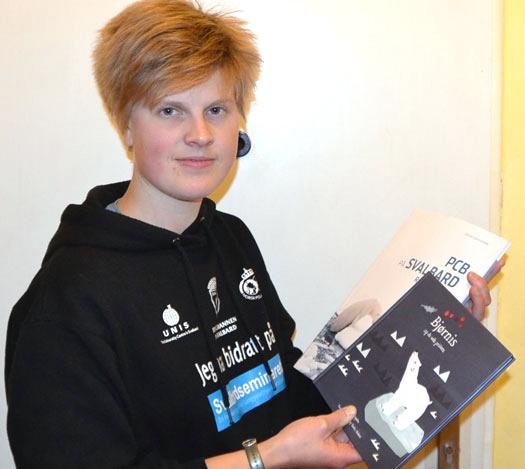 Pernilla Carlsson with books
