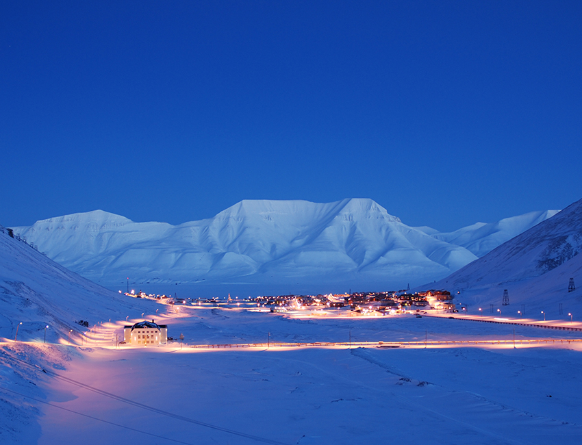 Avalanche Accident Longyearbyen on December And Christmas