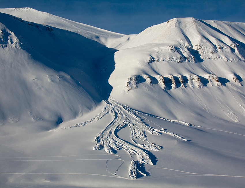 Snow avalanches in Central Svalbard