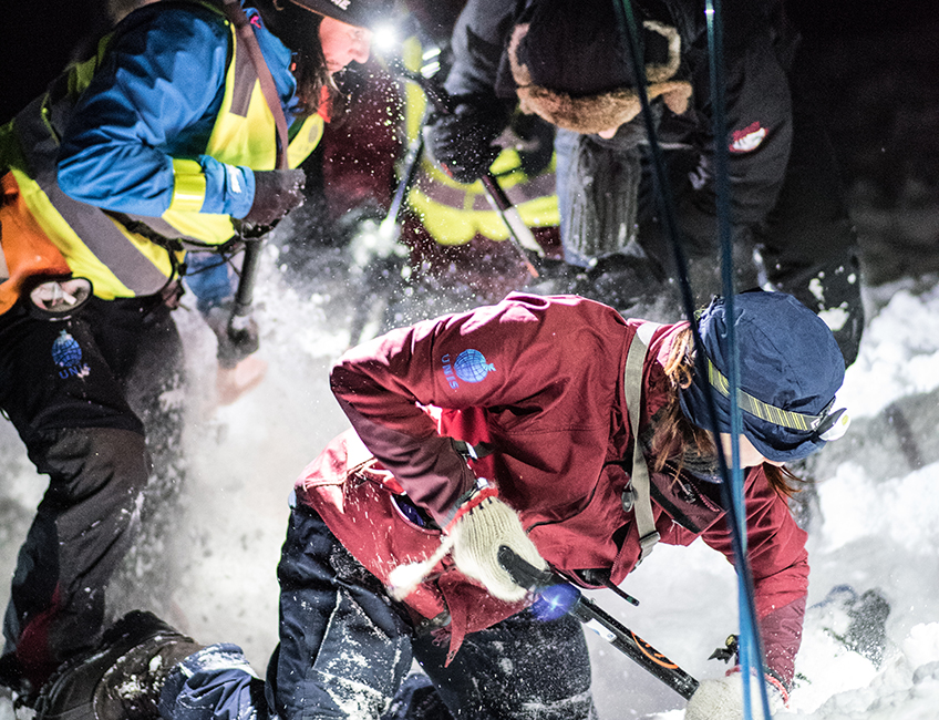 Avalanche training during UNIS safety course, January 2016. Photo: Petter Sele