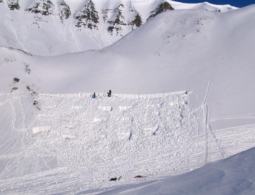 Snow distribution in Central Spitsbergen