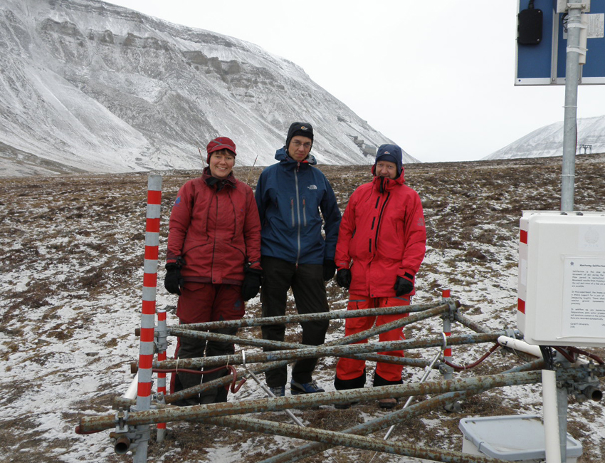 Satellites monitor the permafrost landforms in Svalbard