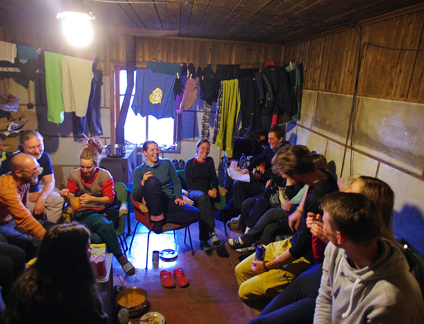 AT-209 students enjoying cabin life during fieldwork near Pyramiden, August 2016. Photo: Nils Roar Sælthun/UNIS