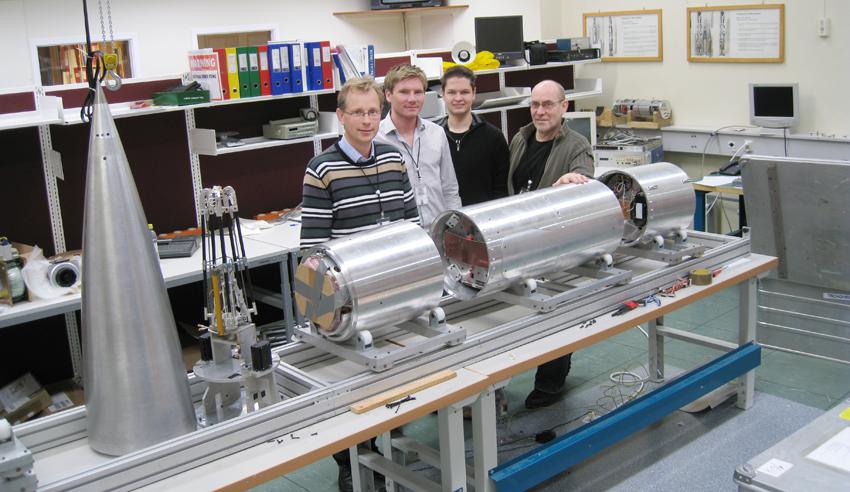 Professor Jøran Moen and engineers Eystein Sæther, Lars-Helge Surdal and Gudmund Hansen.