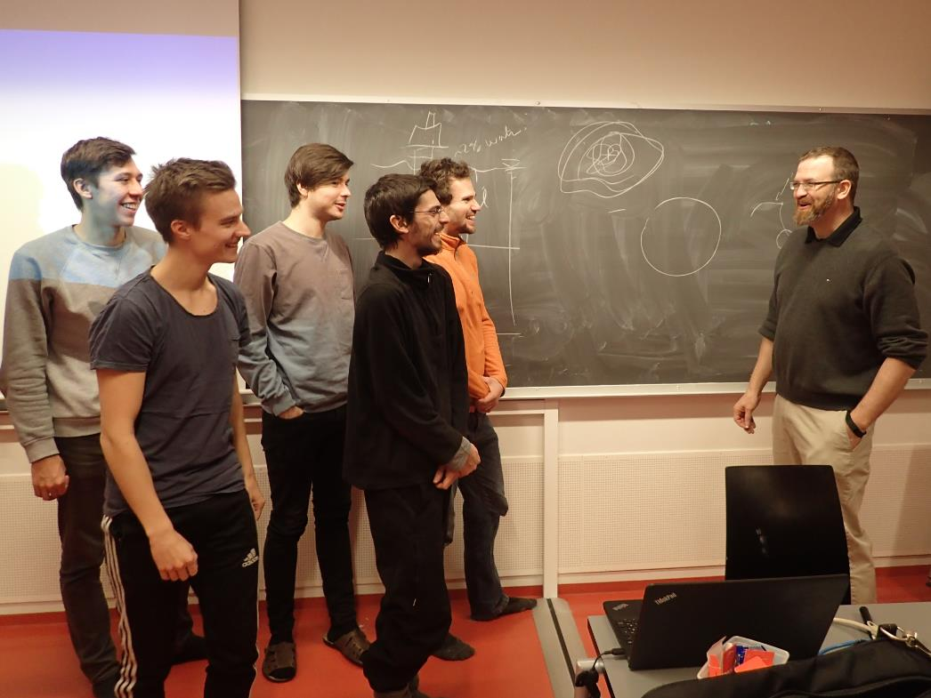 UNIS guest lecturer Rocky Taylor with students
