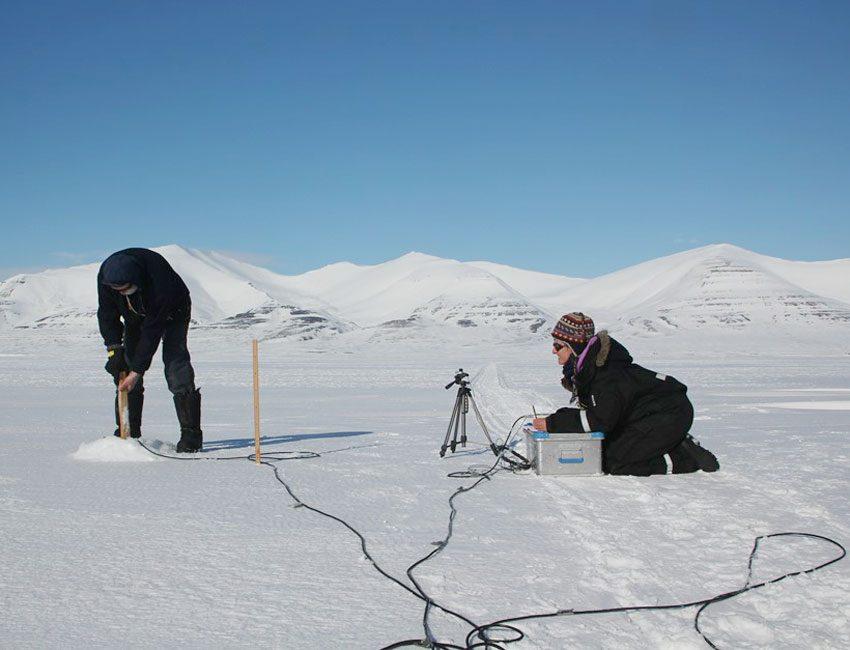 Light measurements on sea ice