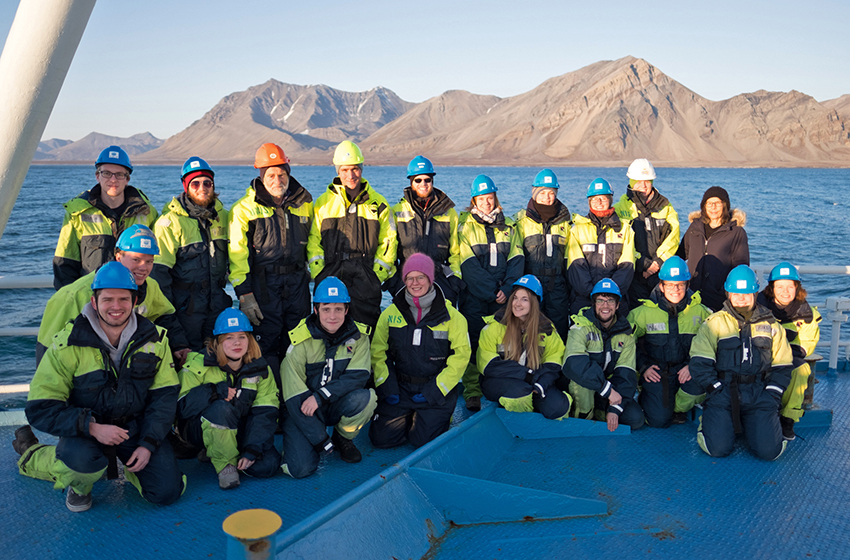 Happy students and staff from the AGF-214 cruise in October 2017, on board RV Lance. Photo: Inger Lise Næss/UNIS