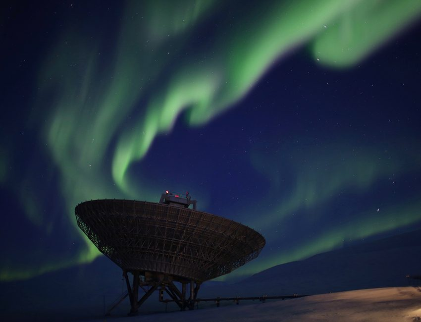 Northern lights over the EISCAT antenna outside Longyearbyen, February 2017. Taken during AGF-304. Photo: Anja Strømme/UNIS