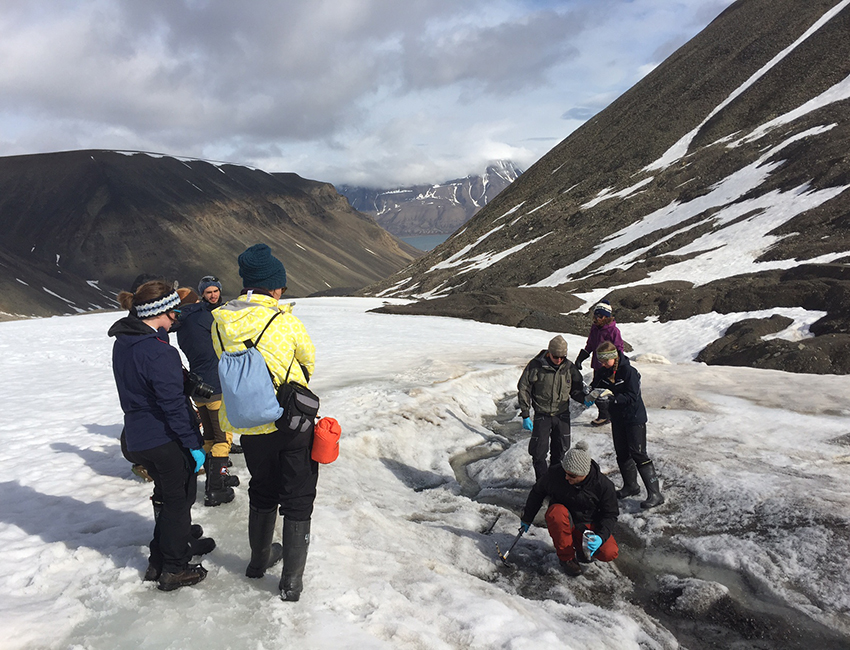 AB 327 fieldwork on Longyearbreen, July 2017. Photo: Lise Øvreås/UNIS
