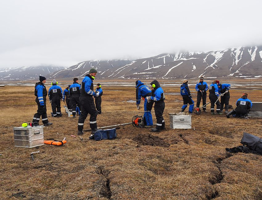 AG-218 permafrost drilling in Adventdalen, June 2017. Photo: Ole Humlum/UNIS