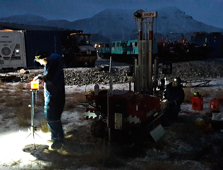 In November 2017, UNIS, received a test rig that will help determine the geotechnical properties of the permafrost. Photo: Graham Gilbert/UNIS