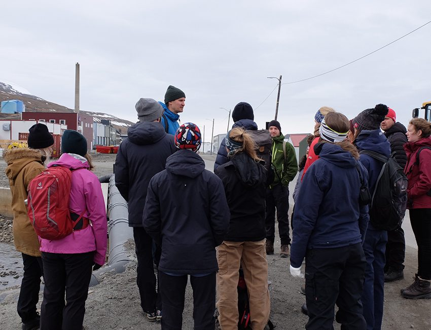 Students and lecturers on the first course in the Arctic Safety Centre, AS-301 Risk Assessment of Arctic Natural Hazards, in June 2018. Photo: Ann Christin Auestad/UNIS