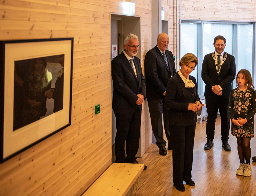 Queen Sonja presented a personal Royal gift
