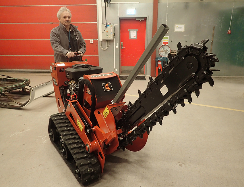 Ditch Witch C16 Walk-Behind Trencher - UNIS