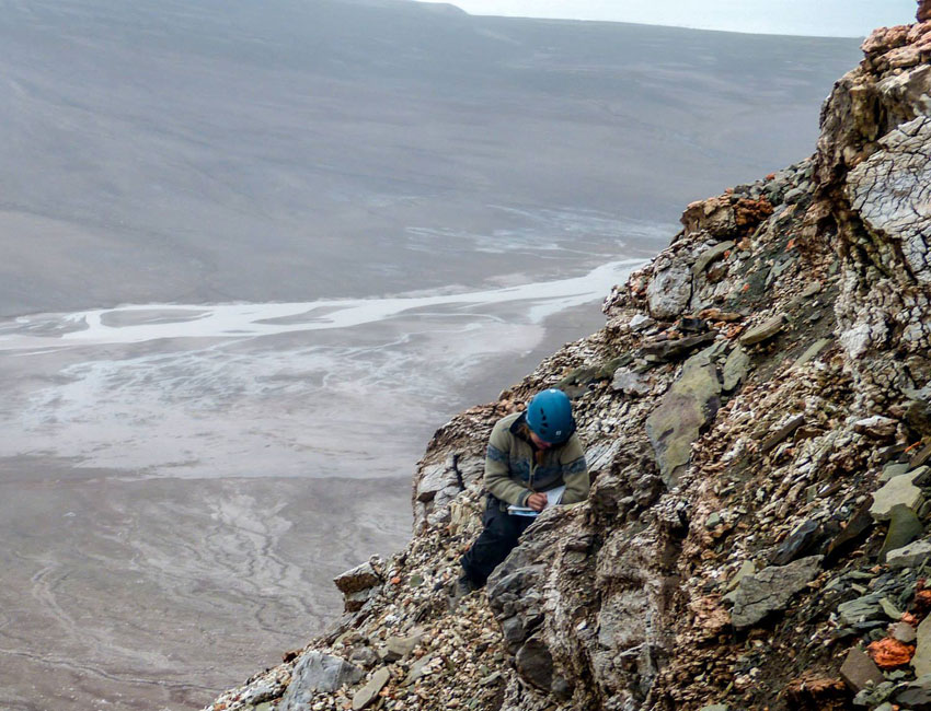 New knowledge about sedimentary basins in Svalbard