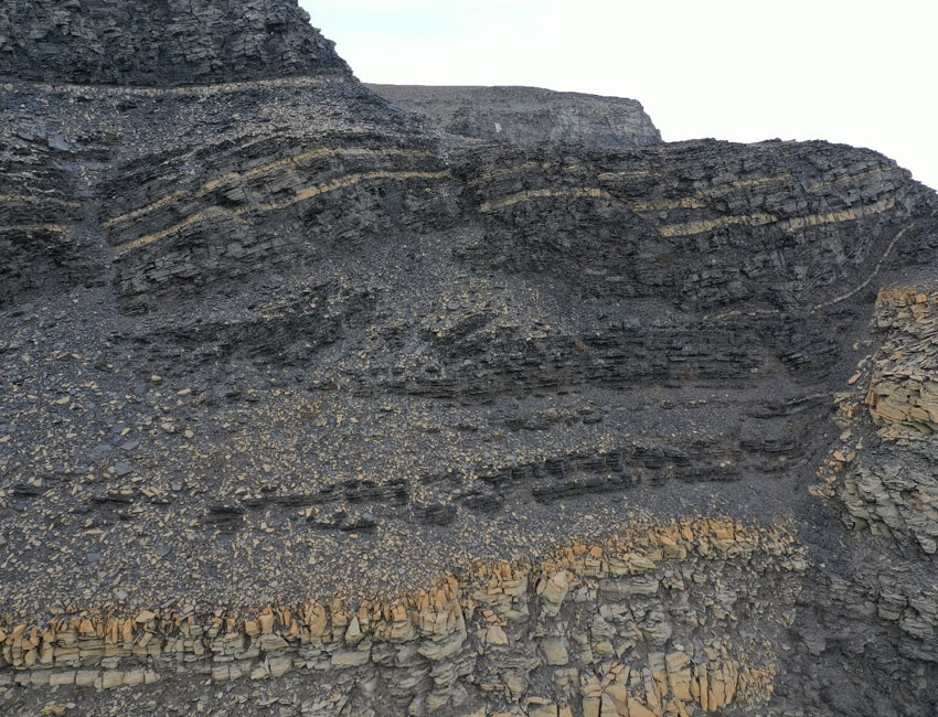Eistradalen West (east coast of Spitsbergen) is an example of folding, faulting and fractures. Such structures may be very bad for storing CO2 as they potentially allow CO2 to leak out of the reservoir. Photo: © Svalbox.no.