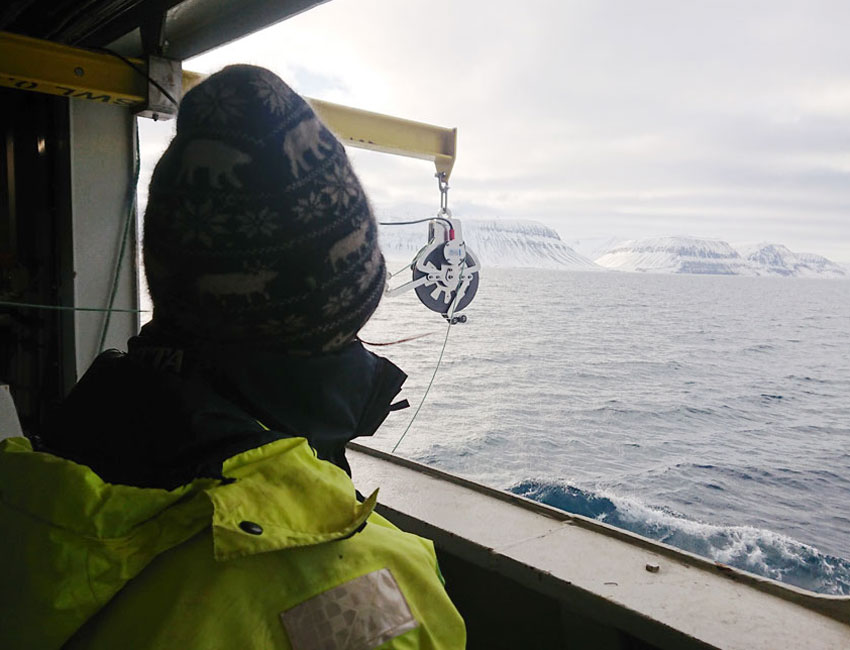 On the way out to the Isfjorden-Adventfjorden time series station (IsA). Photo: Snorre Flo/UNIS.
