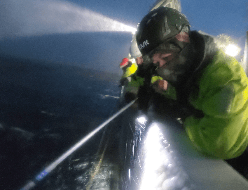 Glider rescue operation west of Spitsbergen February 2021