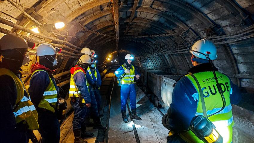 Students visiting the operating mine in Barentsburg. Photo: Lars Henrik Smedsrud/UNIS