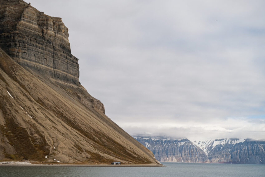 Isfjorden is a popular area for recreational travel during the summer months. Having a more accurate weather model can be useful for the local residents and users of the area. Here from Skansebukta. Photo: Maria Philippa Rossi/UNIS