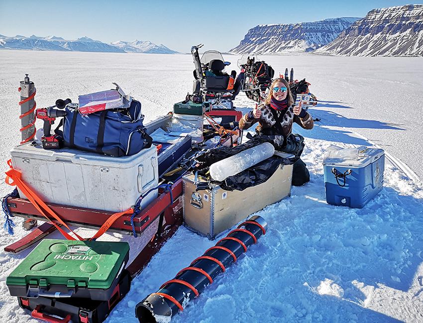Fjord ice in Svalbard – an important kindergarten for seafloor animal babies